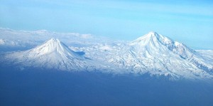 620px-Agry(ararat)_view_from_plane_under_naxcivan_sharur