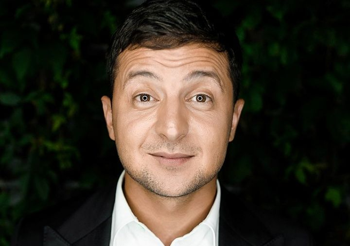 A Jewish law student turned stand-up comedian as President of the Ukraine next?